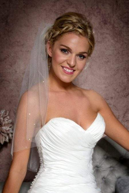 elbow length veil with diamantes closeup