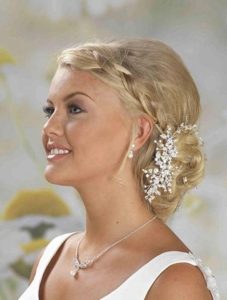 LP675 – diamante & pearl hair vine on comb