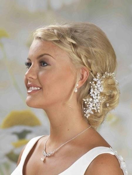 LP675 – diamante & pearl hair vine on comb