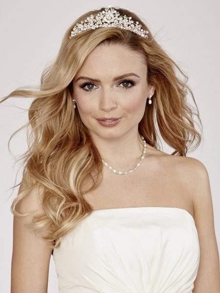 LT316 – Ivory pearl diamante & crystal bridal tiara