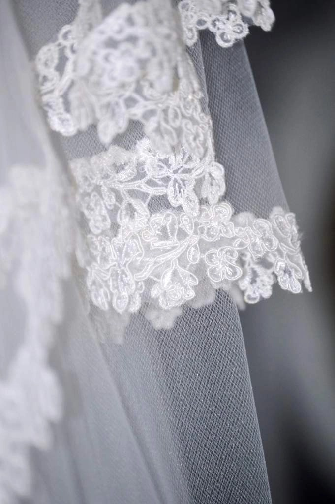 Close up of narrow lace edge on veil