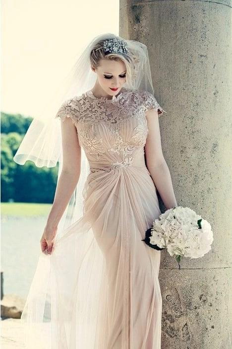 Champagne veil on real bride Rachel