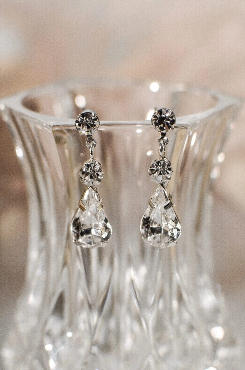 tls1547 earrings on glass closeup