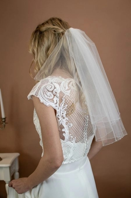 CHARLIE – two layer shoulder length wedding veil with a pencil edge