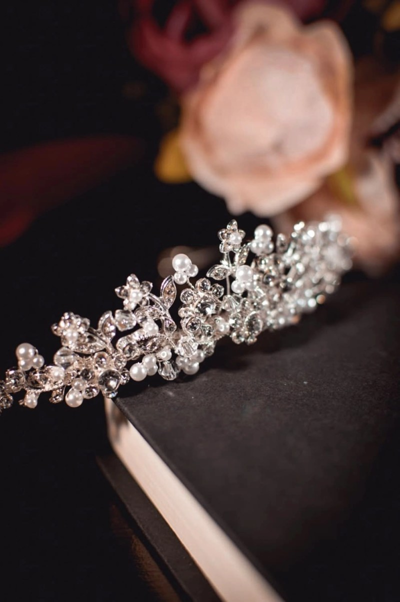 Alice - Classic bridal tiara with crystals & pearls on books TLT4504