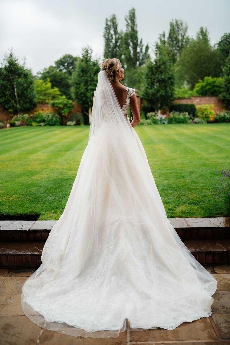 real bride wears Phoenix veil