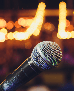 Should You Hire a Professional Emcee or Have a Friend Do It for You?