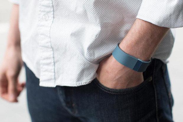 activity-tracker-wristband-2