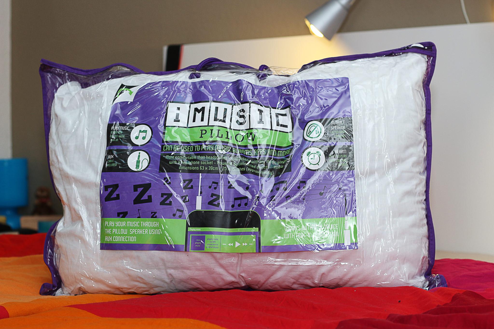 imusic-pillow-2