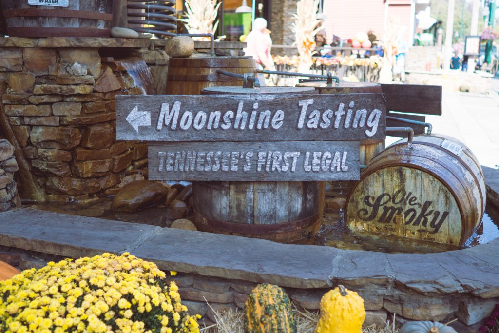 Gatlinburg, Ole Smoky Distillery, Moonshine