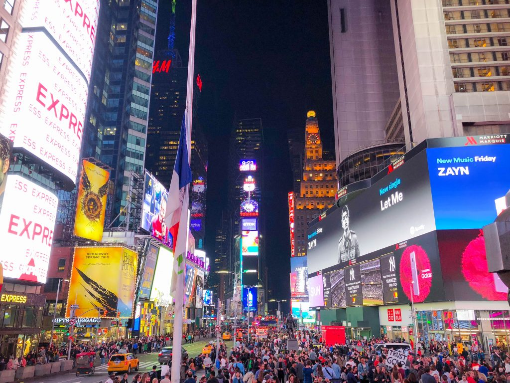 Times Square, girls getaway, girls weekend, girls weekend ideas, girls trip, girls trip ideas, girls in the city, New York City, NYC, weekend in NYC, girls trip to NYC, where to brunch in NYC, New York City brunch, weekend highlights, #TimesSquare #NYCtips #NYCrestaurants #travelblog