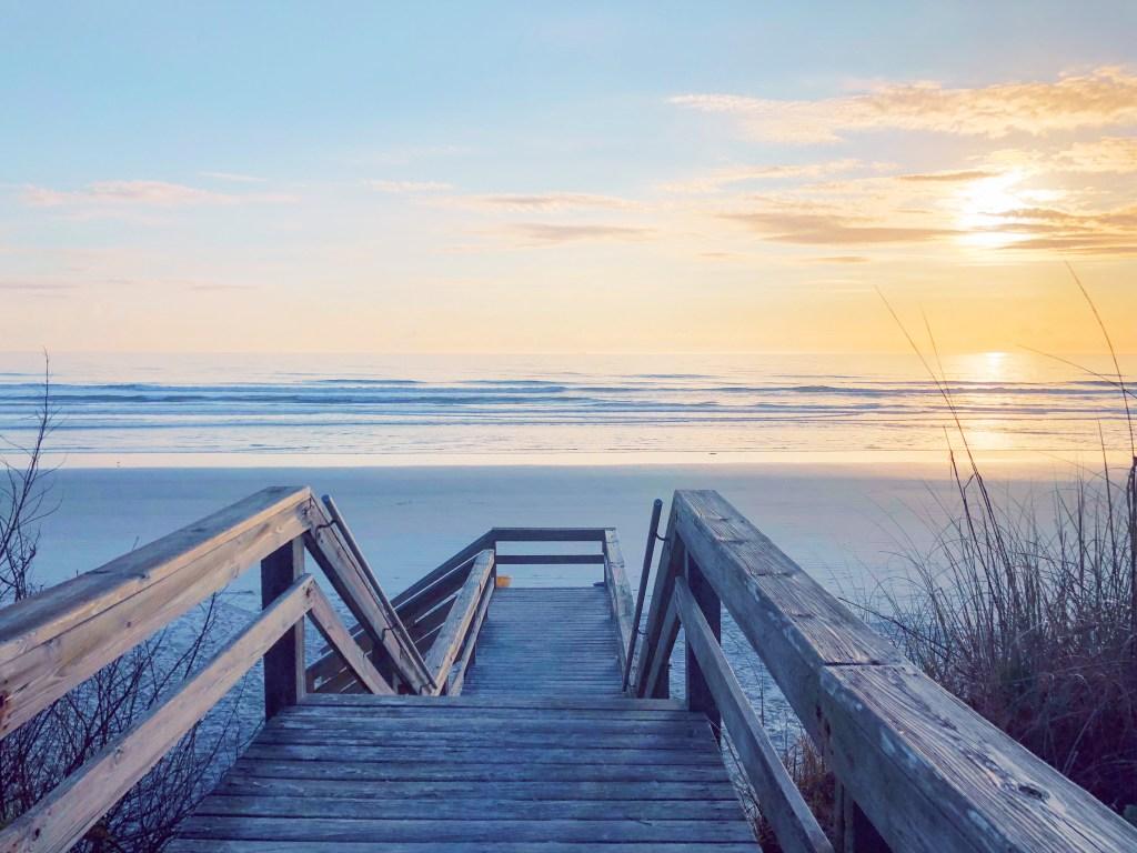 Girls getaway in Florida // sunrise in Daytona Beach, Florida