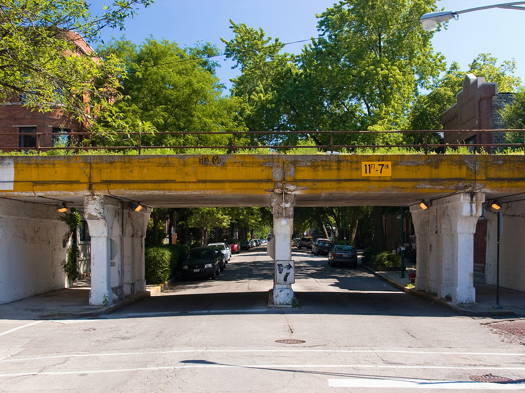 18 Urban Projects Like New York's High Line - reclaim rail & roads to parks - the 606 chicago