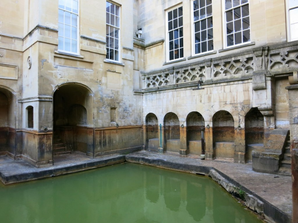 Bath is a lovely Georgian city in England with history back to ancient times. Let's pop in for a weekend and explore this beautiful town.
