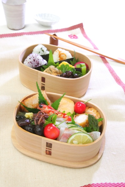 Beautiful bento lunch in a wood container from magewappa.com