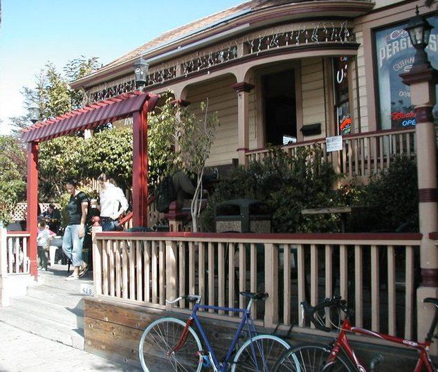 places to eat in Santa Cruz :: pergolesi
