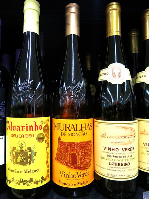 vinho verde - 7 Portuguese Foods You Should Try