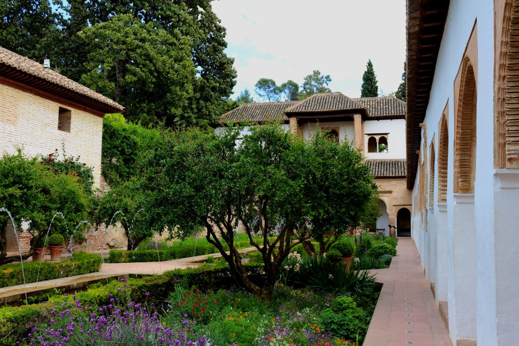 5 Great Gardens in Granada Spain: enjoy the greenery & fragrant flowers
