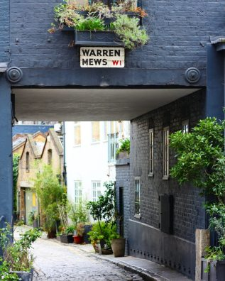London Mews - Here are some of my favorite pretty places in London. - The Weekend Guide
