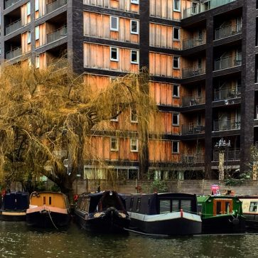 Regents Canal - London Pretty Places - The Weekend Guide