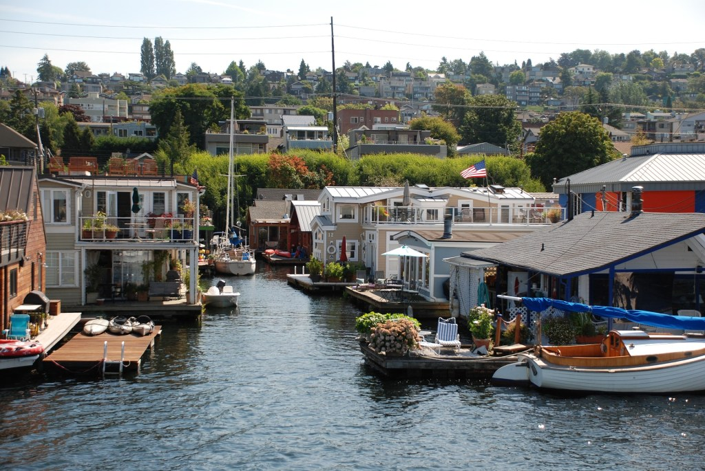 10 Cities to Live on a Houseboat - Floating Home Communities :: Seattle