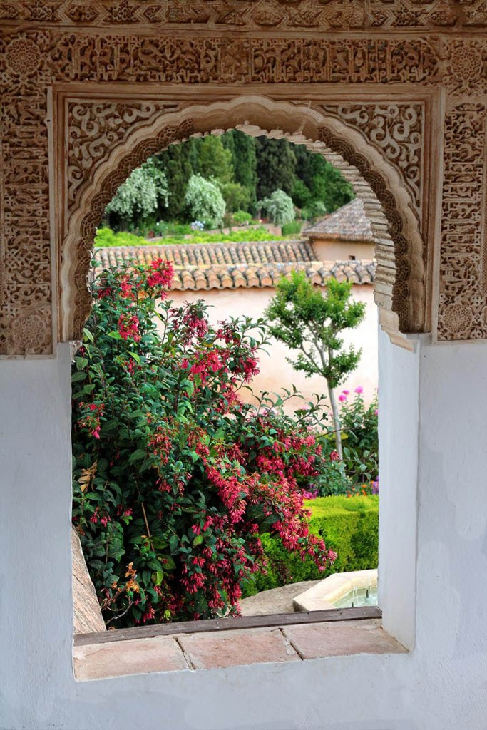 Non Touristy Things to do in Granada Spain: free activities, Alhambra tips & places to eat & drink