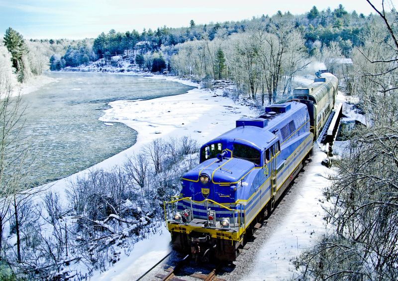 Vintage Ski Train Packages with Pullman Rail Journeys