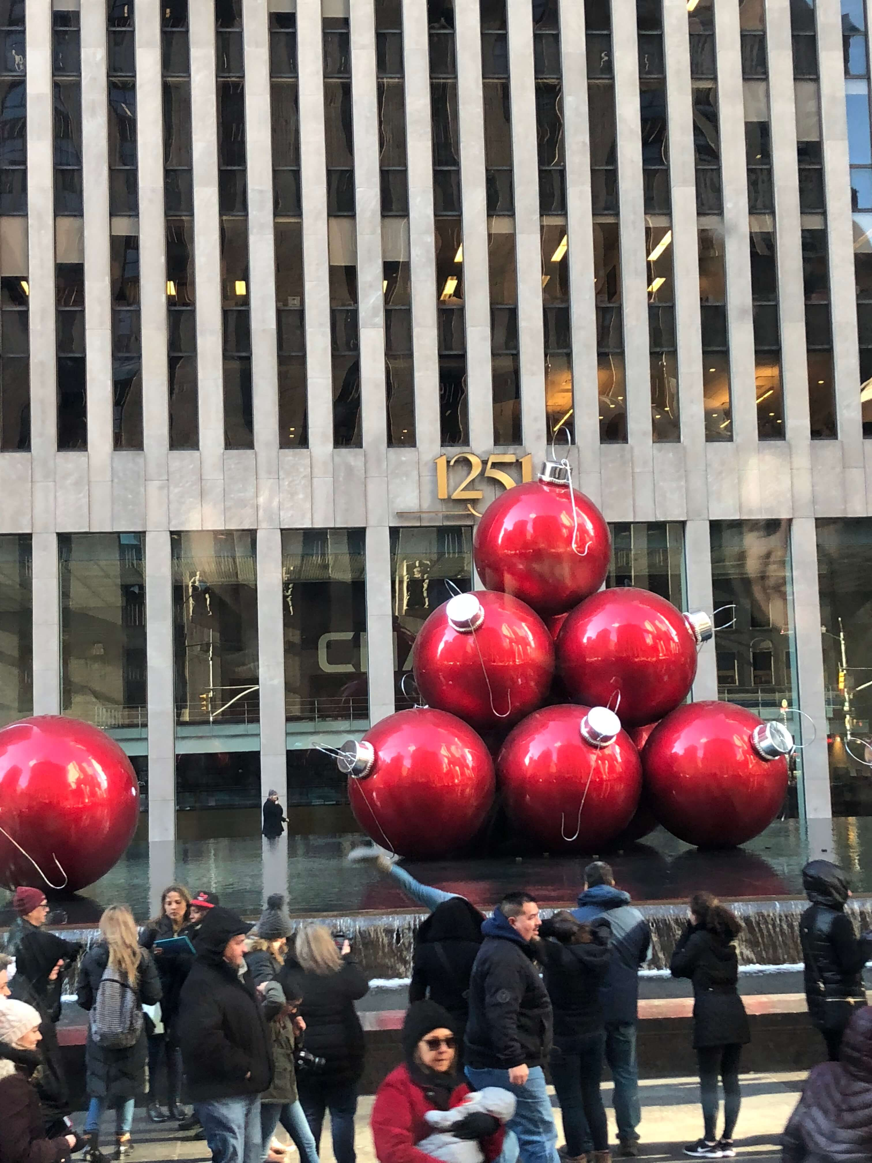 Tour of NYC and an Entertaining Show from THE RIDE Holiday Edition christmas
