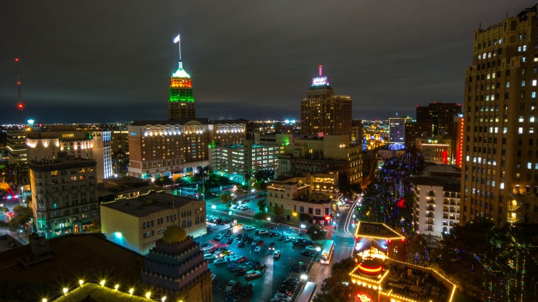 San Antonio Skyline by nanpalmero/Flickr