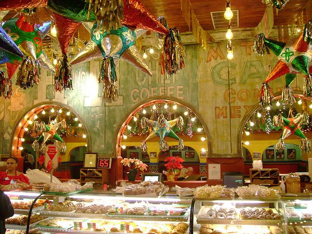 Mi Tierra Mexican restaurant in San Antonio | TheWeekendJetsetter.com