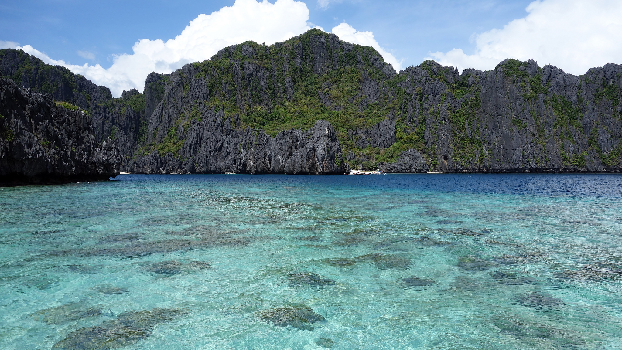 2016 Travel Destinations: Palawan, Philippines (photo: Alan Ascano/Flickr) | TheWeekendJetsetter.com