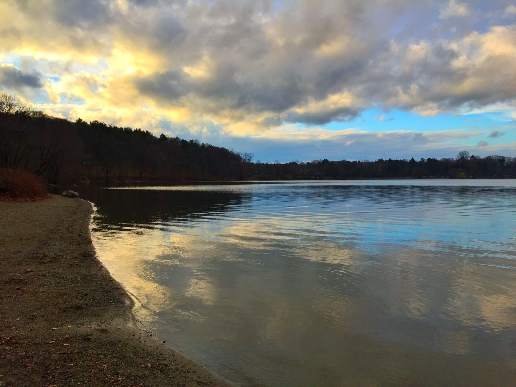 6 Hidden Gems of Boston: Jamaica Pond | TheWeekendJetsetter.com