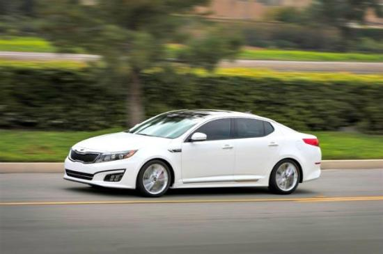The 2014 Kia Optima has more feautres and remains afforadable.