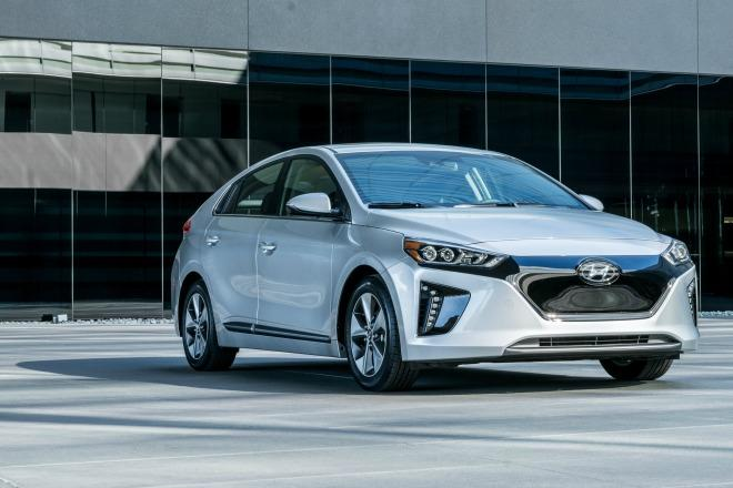 The 2017 Hyujdai Ioniq Electric Vehicle (EV) is the greenest of all green cars for 2017.
