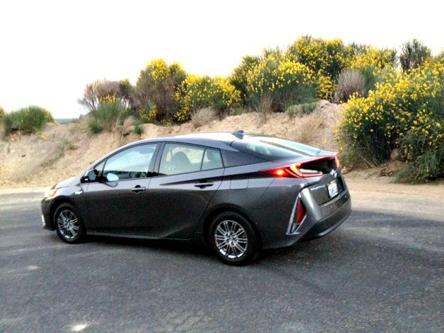 2017 Toyota Prius Prime: Into the mountains with ease 2