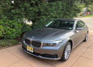 The 2018 BMW 740e is a new trim for the German luxury class.