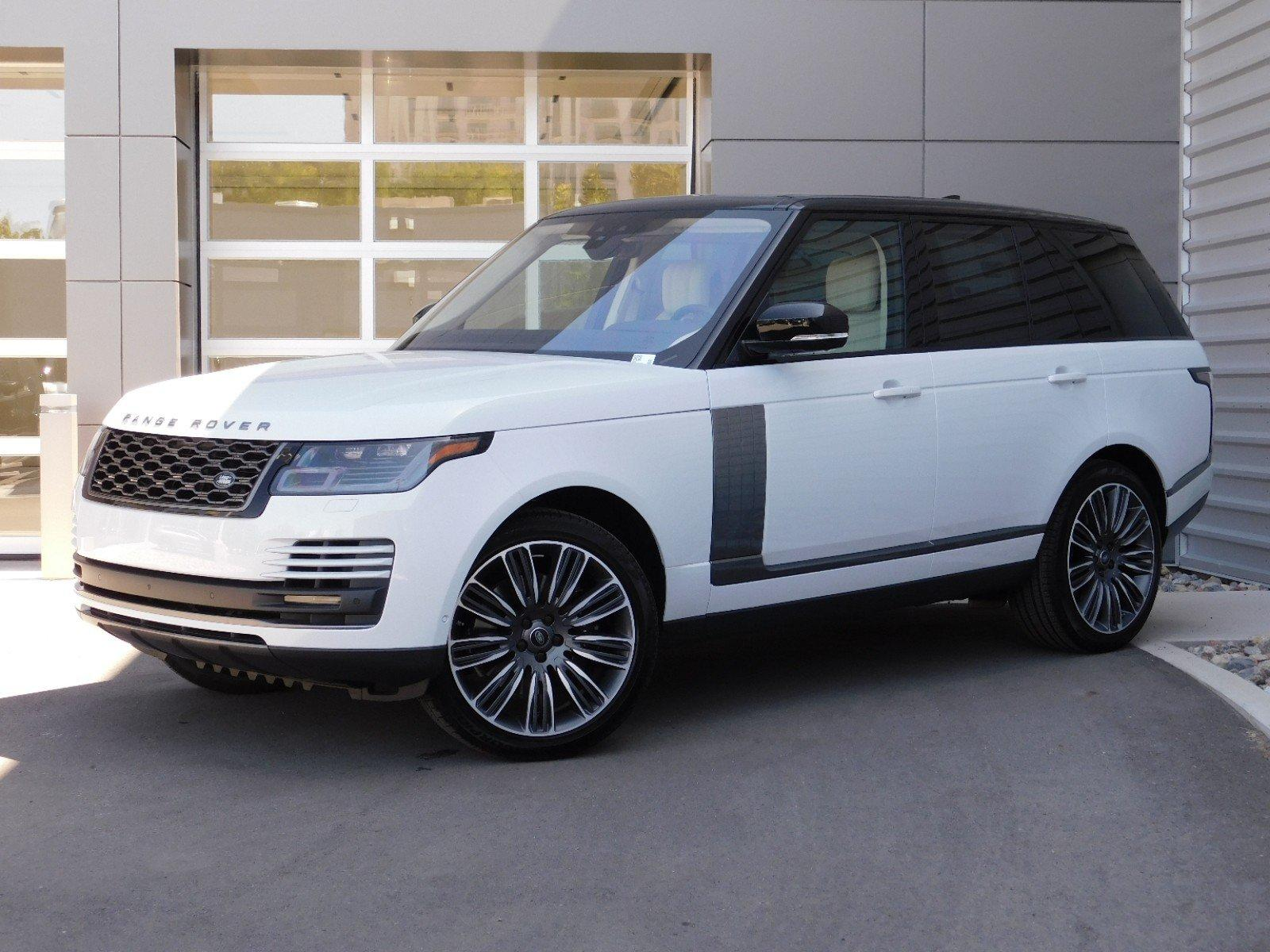 The 2020 Range Rover now offers higher levels of performance, refinement and responsiveness with the latest 3.0-liter inline six-cylinder Ingenium gasoline engine.