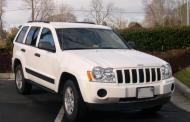 Chrysler relents, recalls 2.7 million Jeep Grand Cherokee, Liberty models