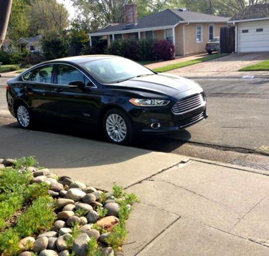 The Ford Fusion Energi has European, sports car styling.