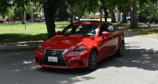 An aggressive front grille is standard look for the Lexus IS200.