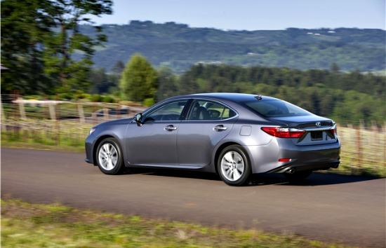 The 2014 Lexus ES 350 is a strong player in the entry level luxury sedan segment.