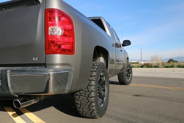 Buying the propper all-terrain tires is import for 4x4 truck drivers.