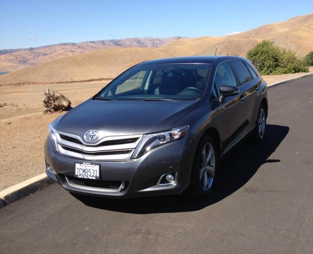 2014 Toyota Venza: Versatile SUV drives like a car 1