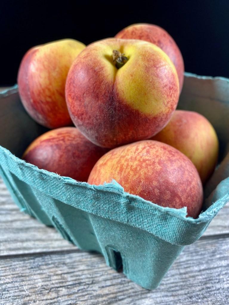 Fresh Texas peaches in the Summer
