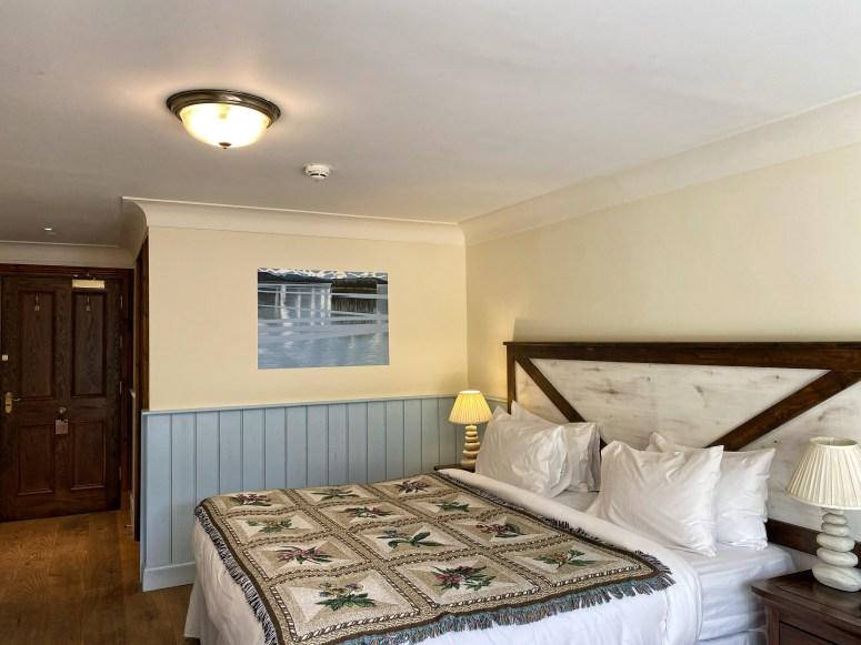 Whispering Pine Lodge, Highland Hotels