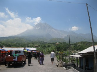 The approach to Merapi