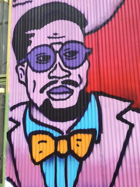 Vibrant street art in Valporaíso