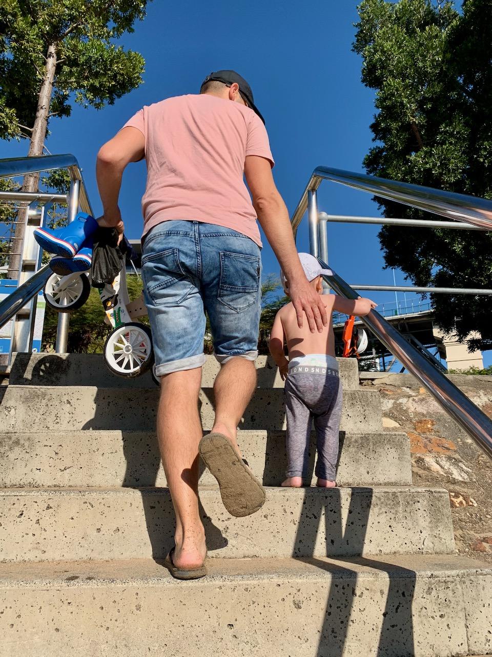 thewelltravelledfamily kangaroo point Brisbane inner-city dog-friendly beach