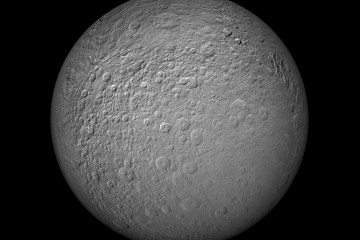 Cassini takes high quality images of Rheas