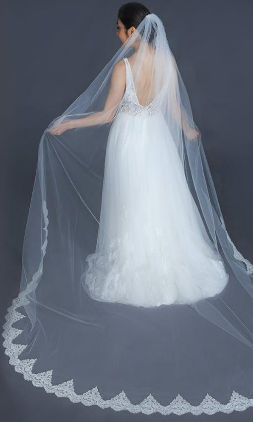 Erica Koesler Elegant Veil